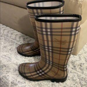 Burberry Rain/snow boots
